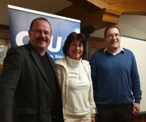 Michael Niedermair (AKS Kreisvorsitzender), Helga Schuller (AKS Stellv. Kreisvorsitzende), Priv. Doz. Dr. med Florian Ebner